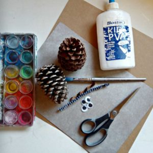 Australian Animals - Craft Project - Make Mrs Kookaburra using pine cones!