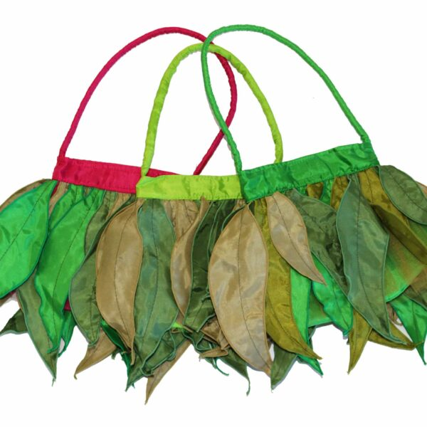 May Gibbs Dress Ups: Gum Leaf Bag