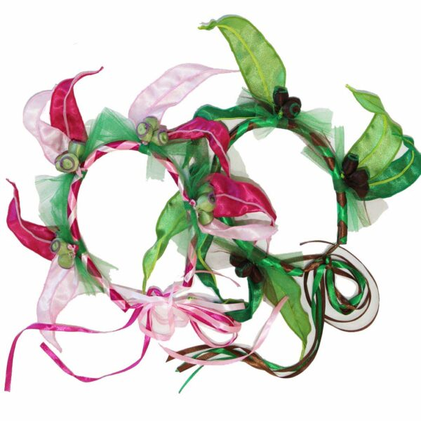 May Gibbs Dress Ups: Gumnut Garland